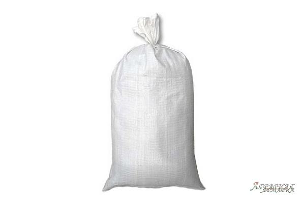 Полипропиленовые мешки разных размеров.