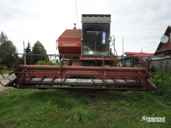 Продам зерноуборочный комбайн Енисей 1200-1