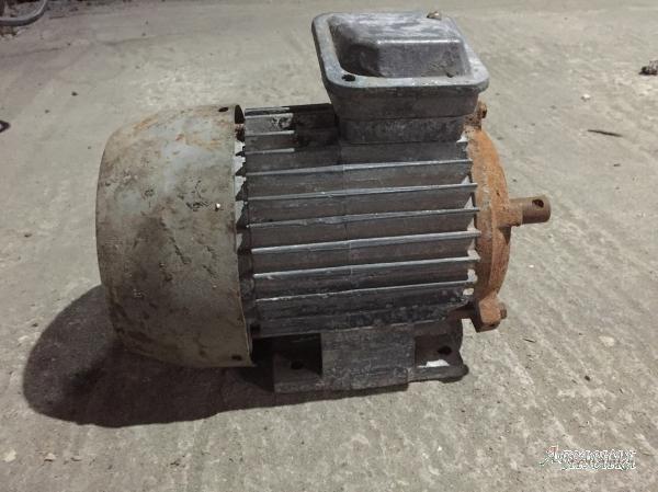 Электродвигатели 1, 1 кВт